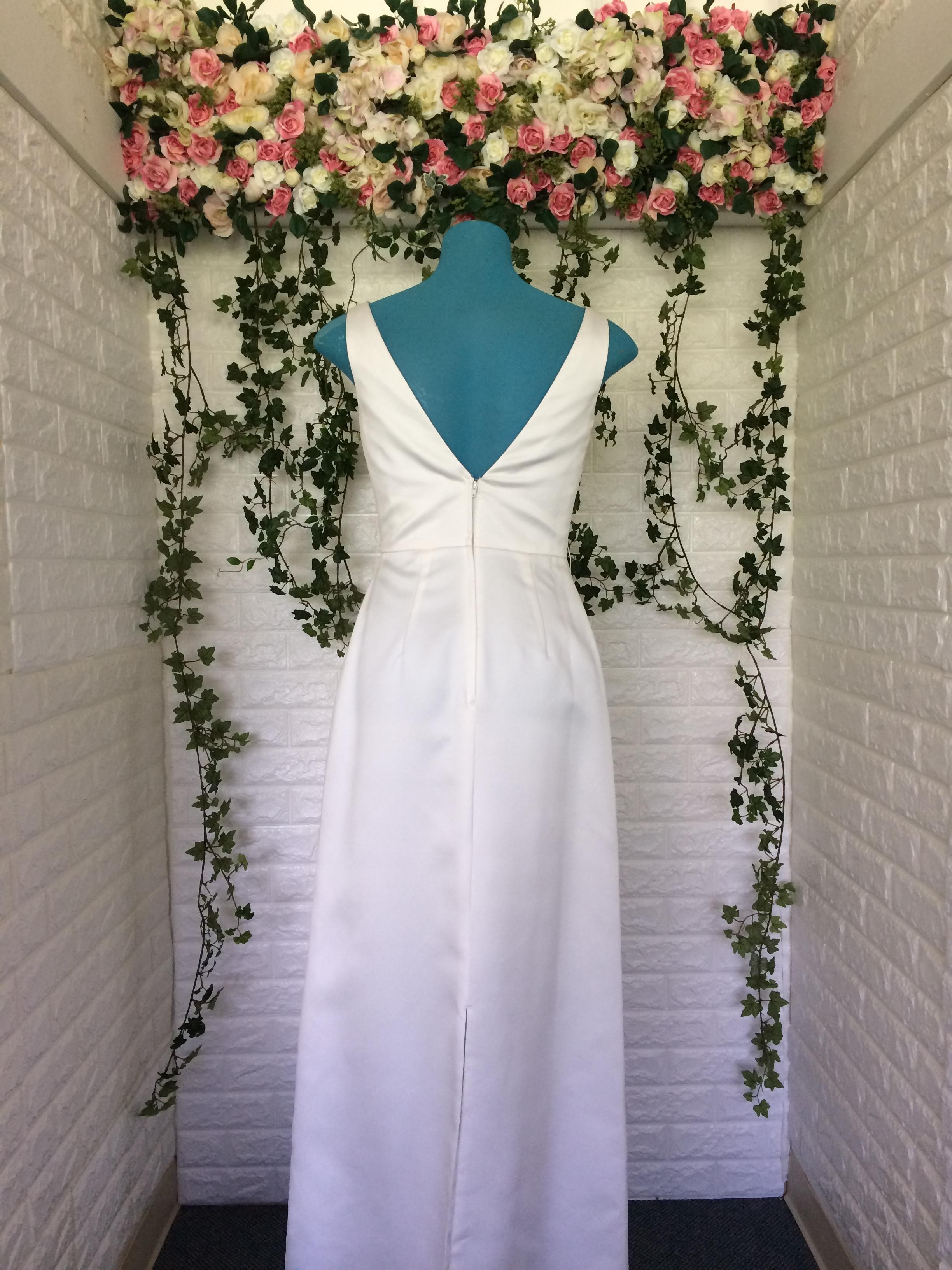 7390l ivory sz2 145 back masako formals hawaii for Wedding dress rental hawaii